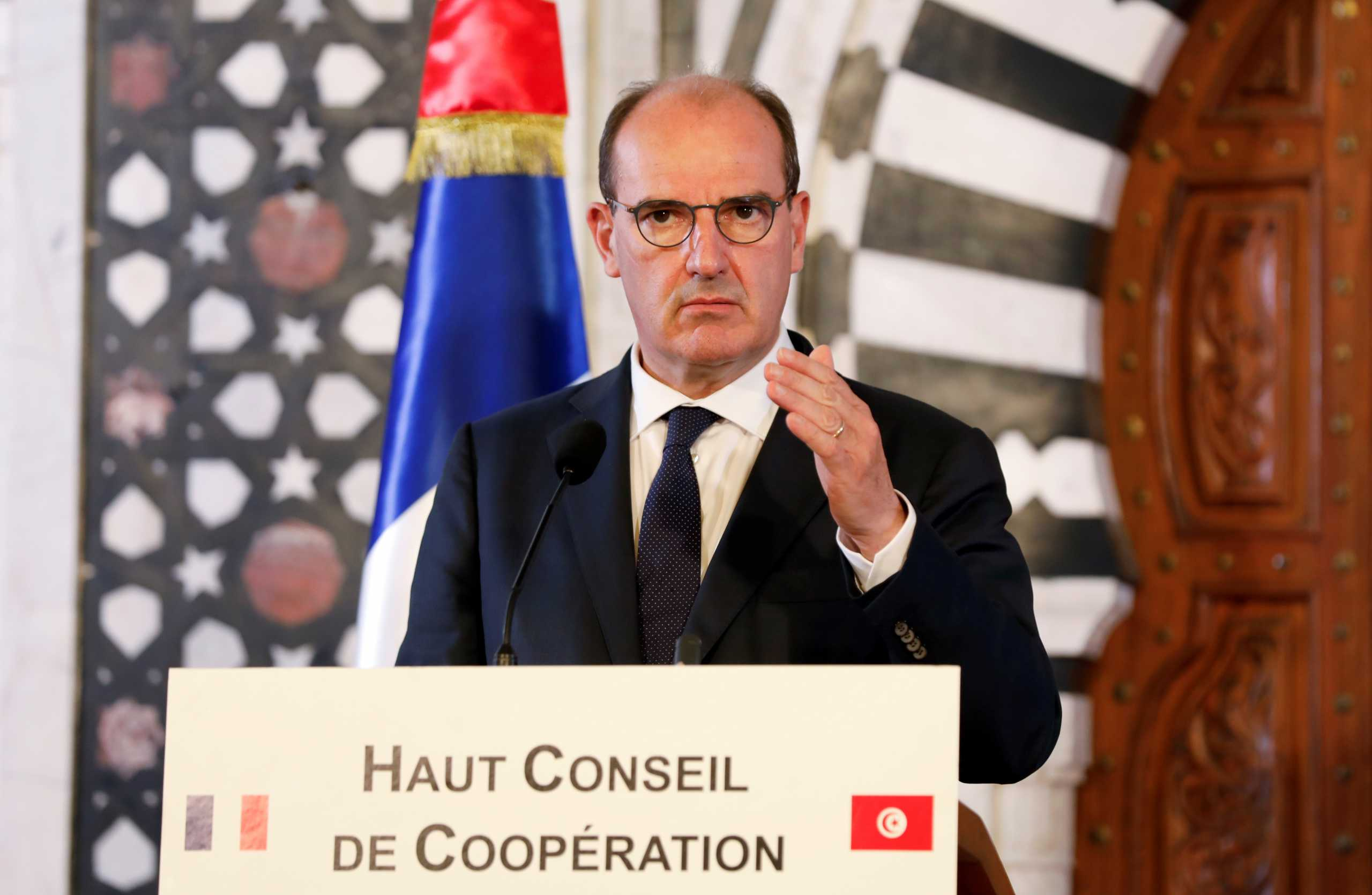 Γαλλία: Τρίτη φορά σε καραντίνα ο πρωθυπουργός – Με κορονοϊό η γυναίκα του