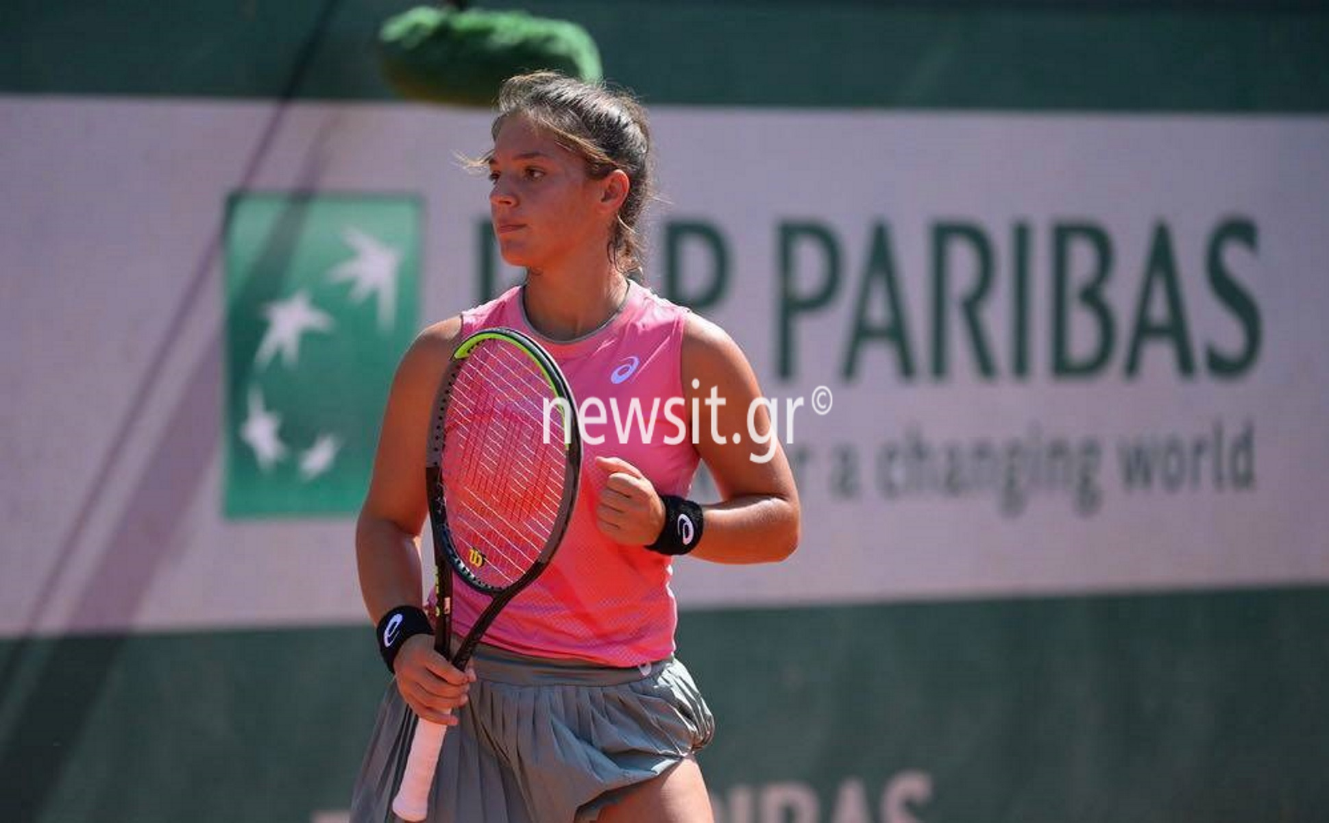 Roland Garros – Μιχαέλα Λάκη: Η νεαρή Λαρισαία που έφτασε στους «16» και ο Τσιτσιπάς (pics)