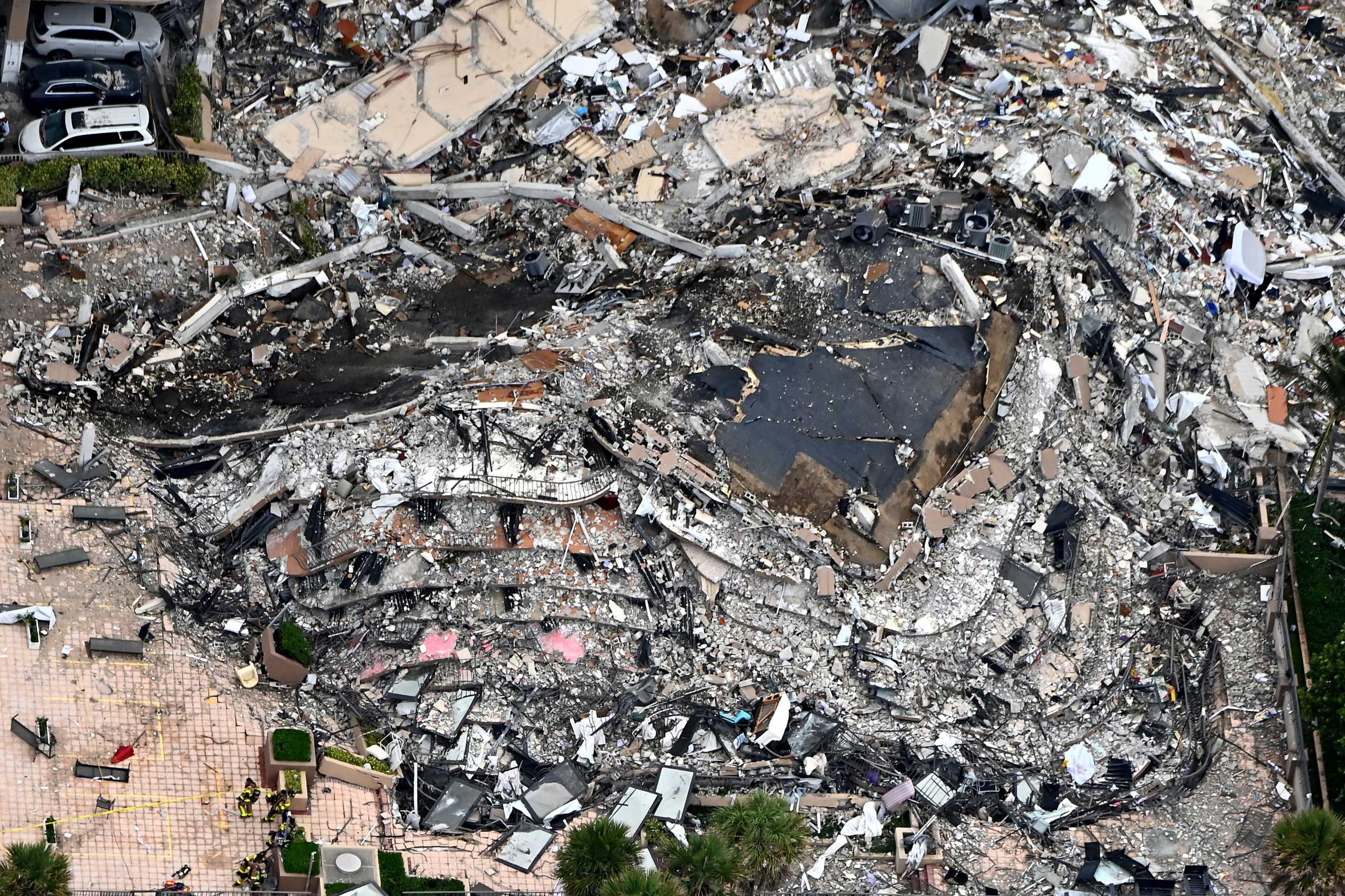 Κατάρρευση κτιρίου στο Μαϊάμι: Τρεις νεκροί και 12 τραυματίες – Στους 99 παραμένει ο αριθμός των αγνοούμενων