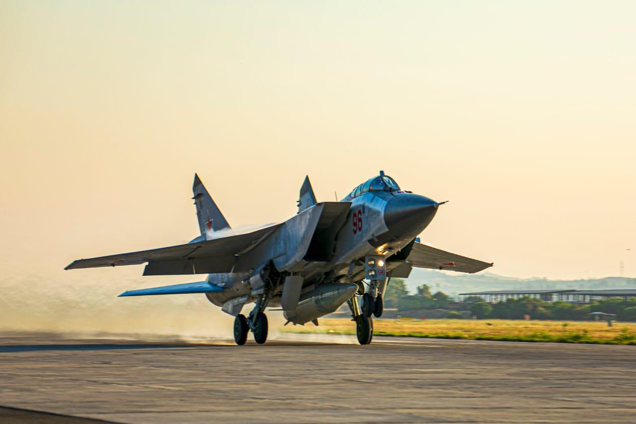 MiG-31: Οι Ρώσοι «κυριαρχούν» στη Συρία με υπερηχητικούς βαλλιστικούς πυραύλους Kinzhal (pics,video)