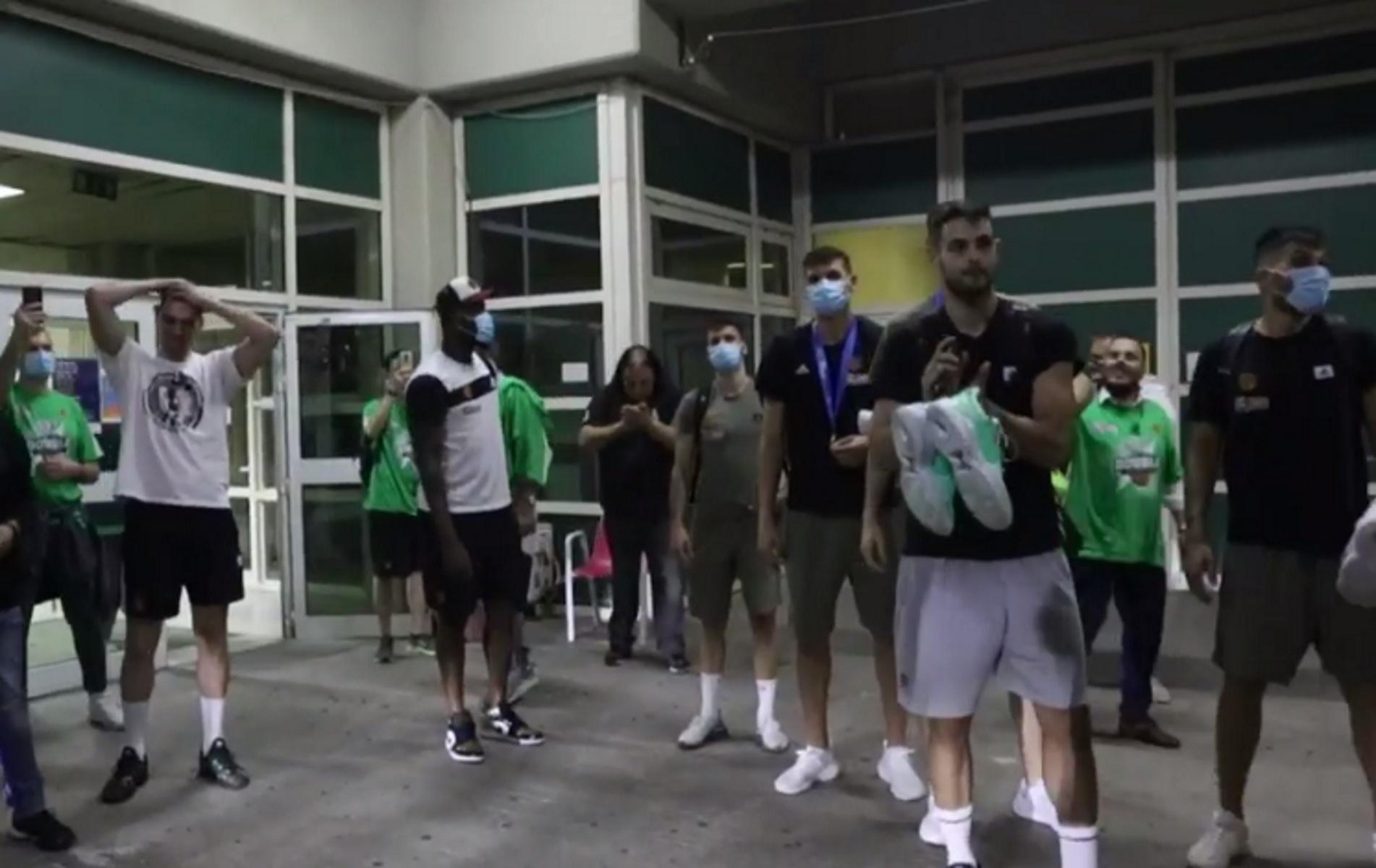 Παναθηναϊκός: Αποθέωση στο ΟΑΚΑ για τον πρωταθλητή και αφιέρωση στον Παύλο Γιαννακόπουλο