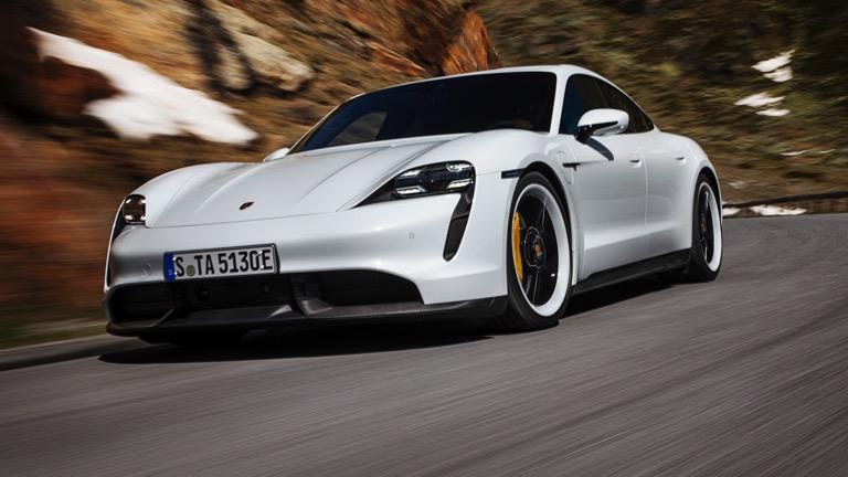 Η Porsche ετοιμάζει μια μικρότερη και φθηνότερη «Taycan»!
