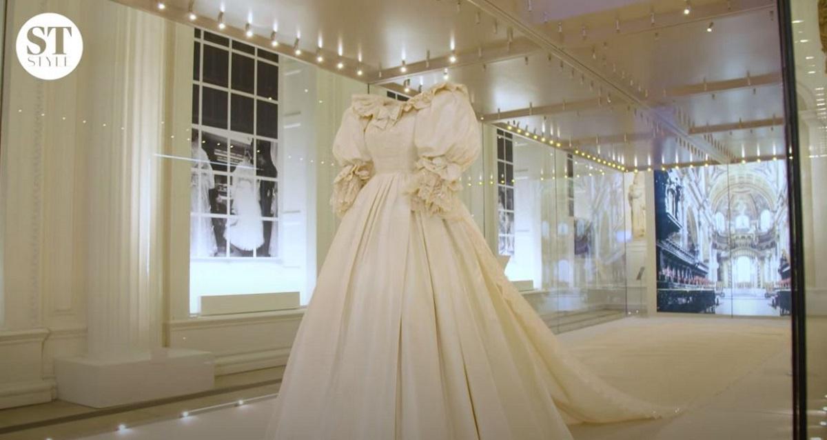 Πριγκίπισσα Νταϊάνα: Σε έκθεση στο Κένσινγκτον το εντυπωσιακό νυφικό της (vids)