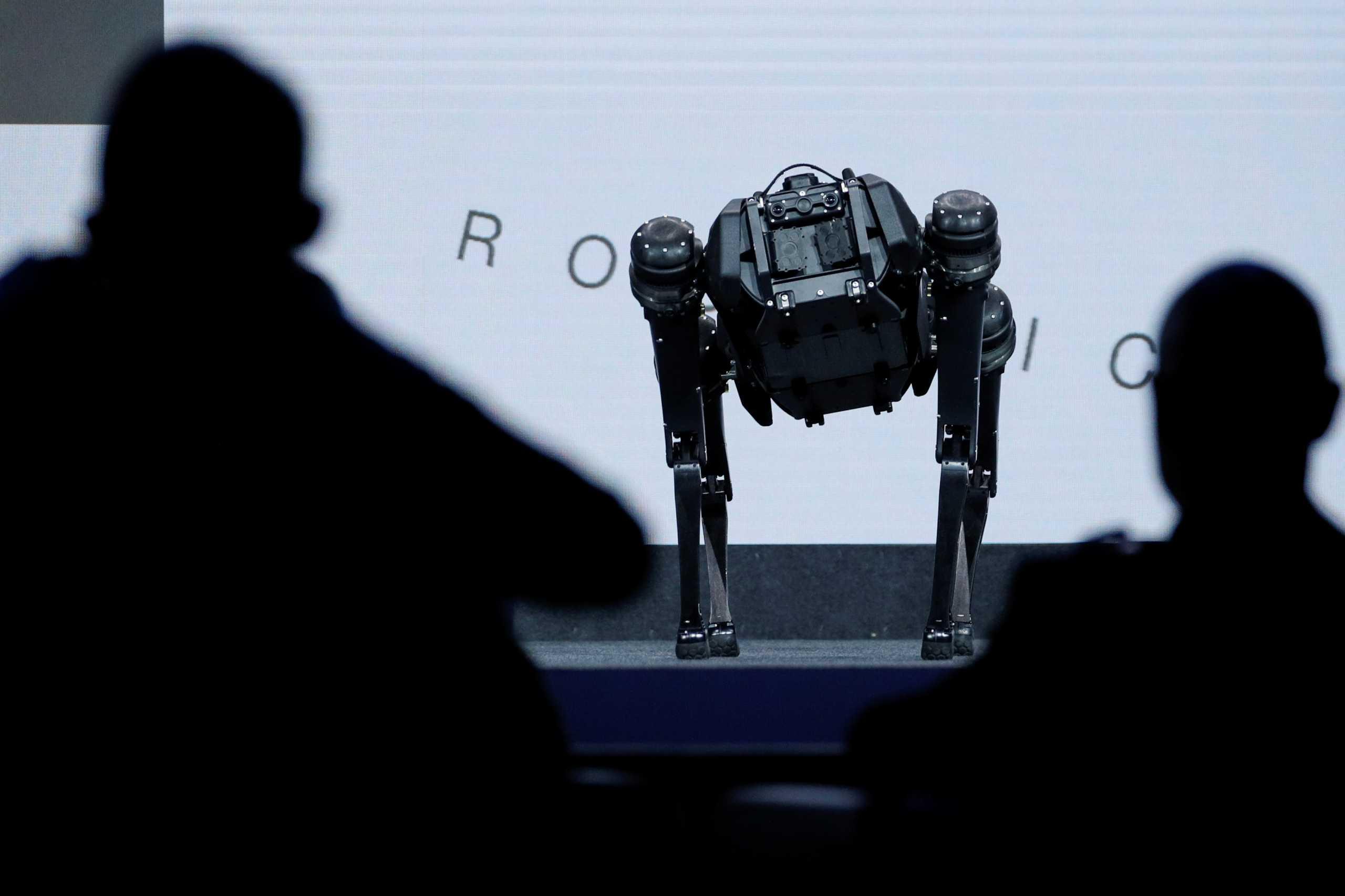 Κορονοϊός: 100 ρομπότ απολύμανσης παραδόθηκαν σε ευρωπαϊκά νοσοκομεία