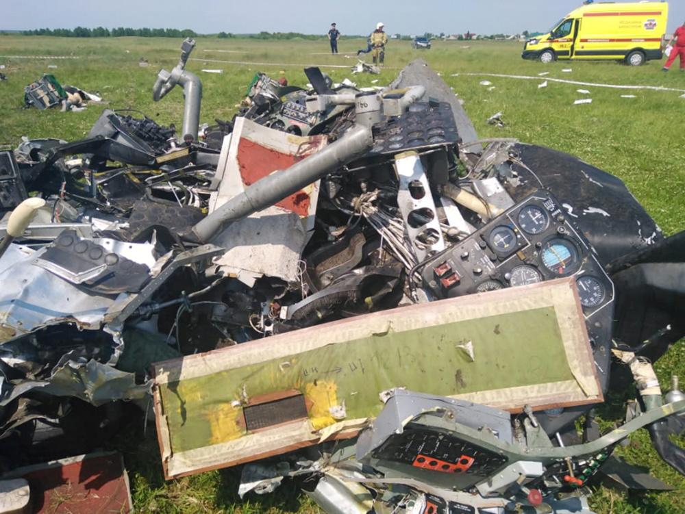Συντριβή αεροπλάνου στη Ρωσία – Στους 9 οι νεκροί (pics, vids)