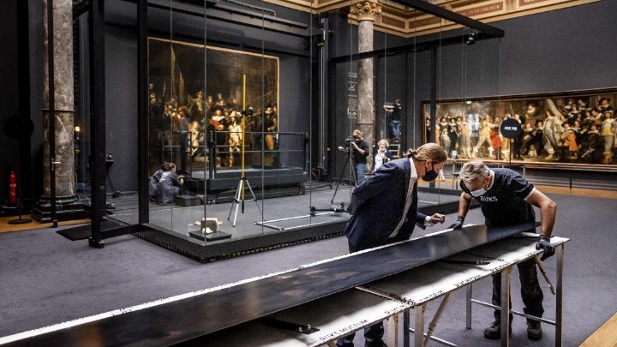 «Νυχτερινή Περίπολος»: Ο διάσημος πίνακας του Ρέμπραντ «ζωντάνεψε» με Τεχνητή Νοημοσύνη