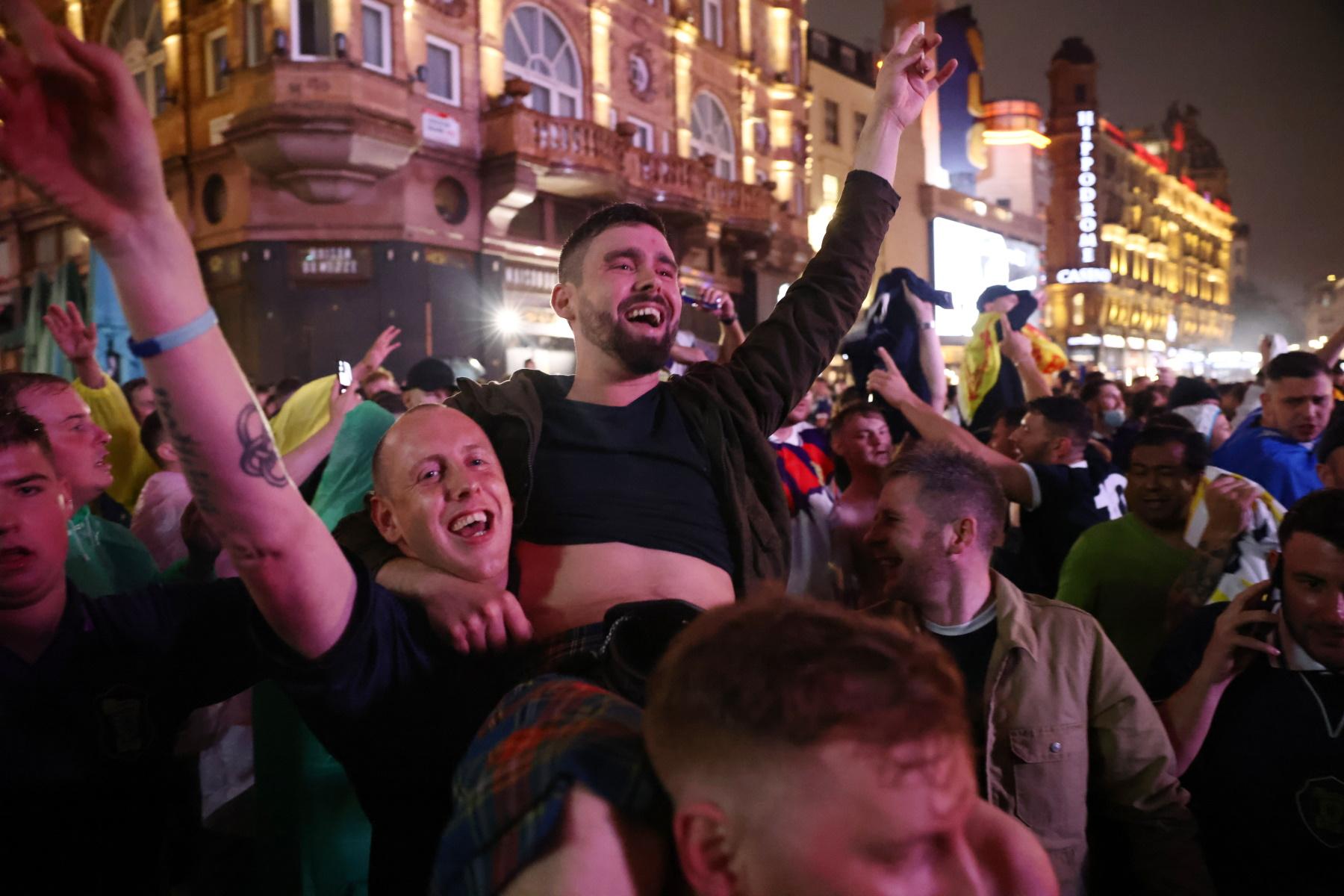 Αγγλία – Σκωτία: Μπύρα, τσακωμοί και συλλήψεις στο Λονδίνο