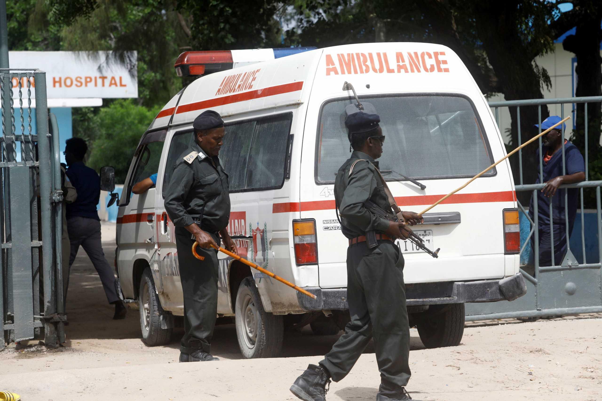 Σομαλία: Δώδεκα νεκροί από επίθεση ισλαμιστών σε  στρατιωτική βάση