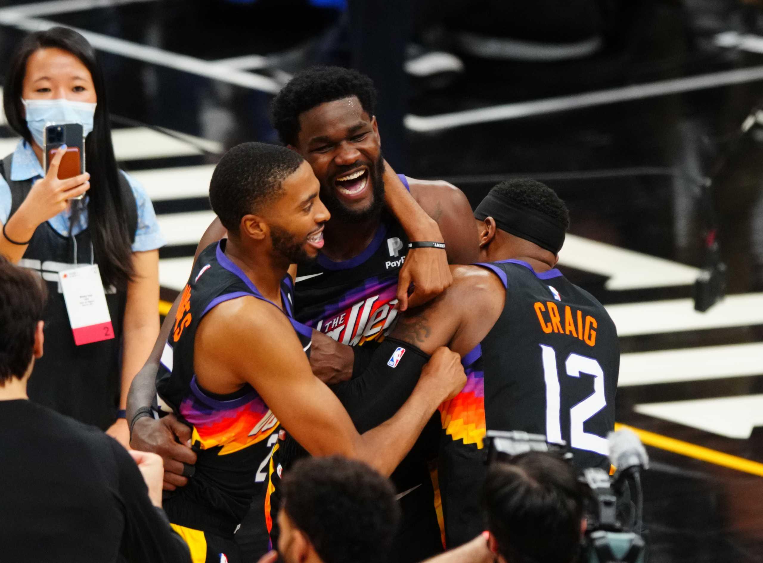 NBA: Οι Σανς πήραν το «θρίλερ»  με τους Κλίπερς και προηγούνται με 2-0 στους τελικούς της Δύσης