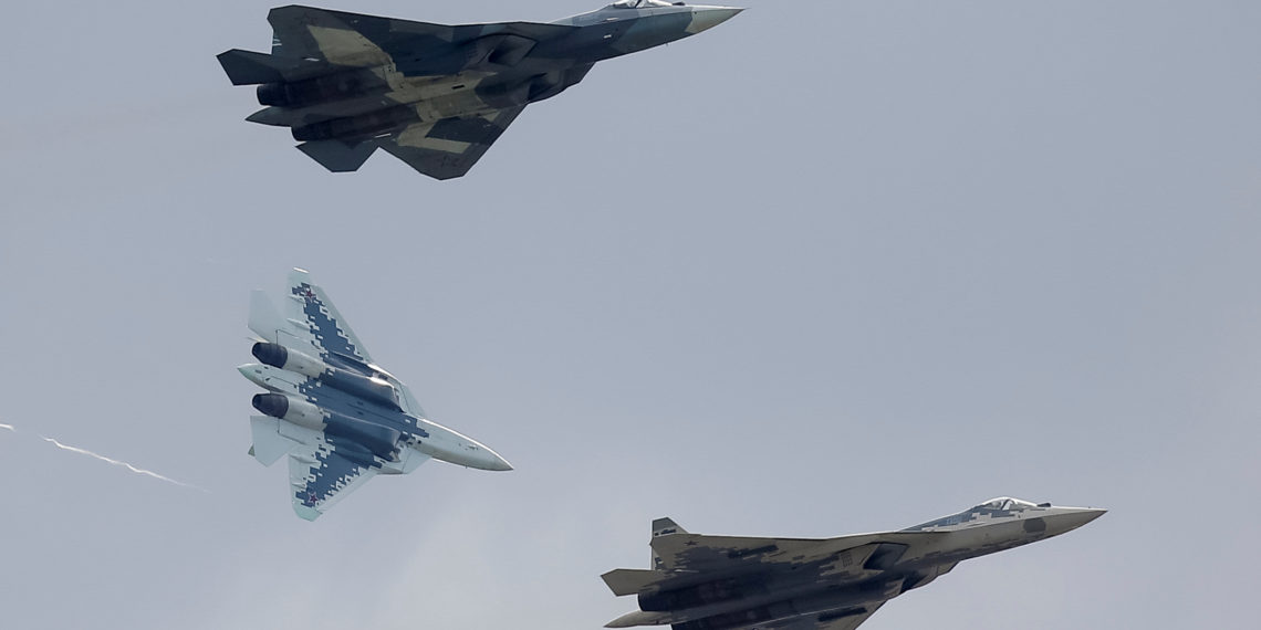 Su-57: Η Ρωσία θα αναπτύξει διθέσια «έκδοση» του μαχητικού για εξαγωγές
