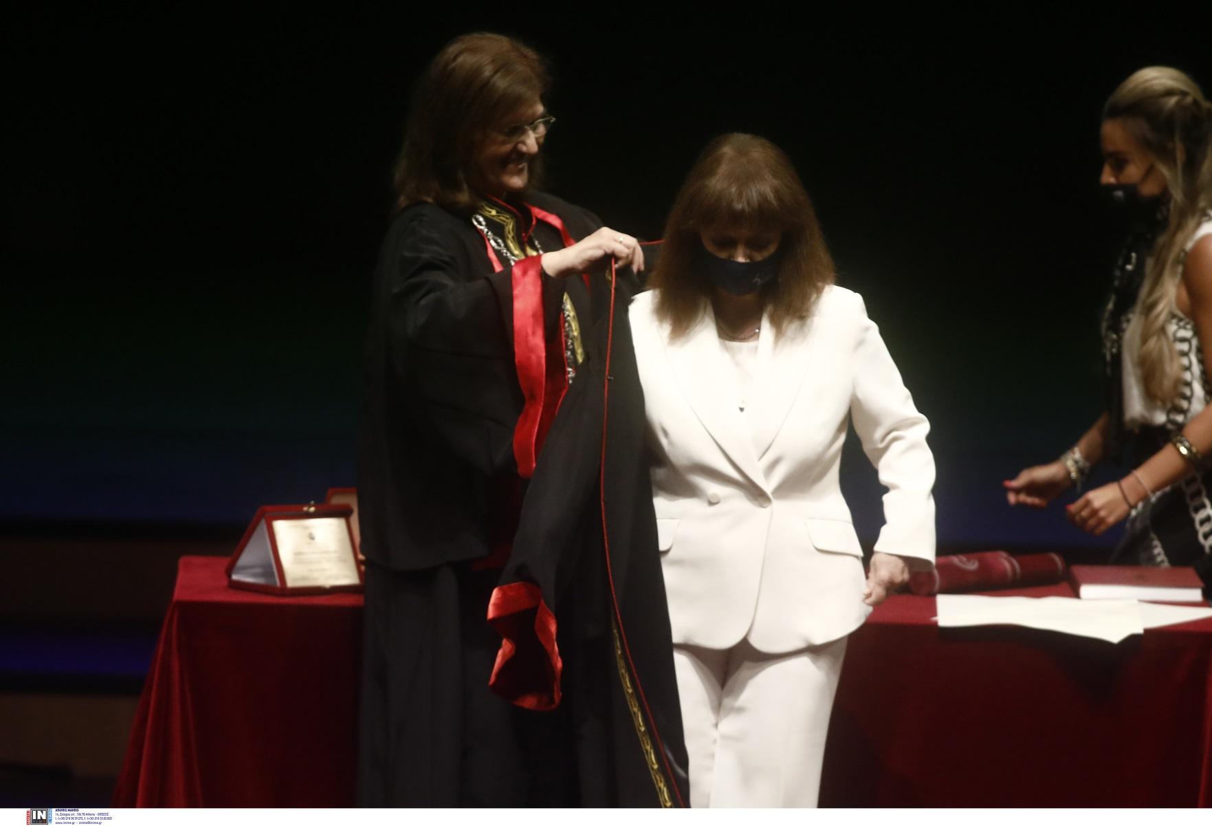 Σακελλαροπούλου – ΑΠΘ: Αναγορεύθηκε επίτιμη διδάκτορας της Νομικής (pics)