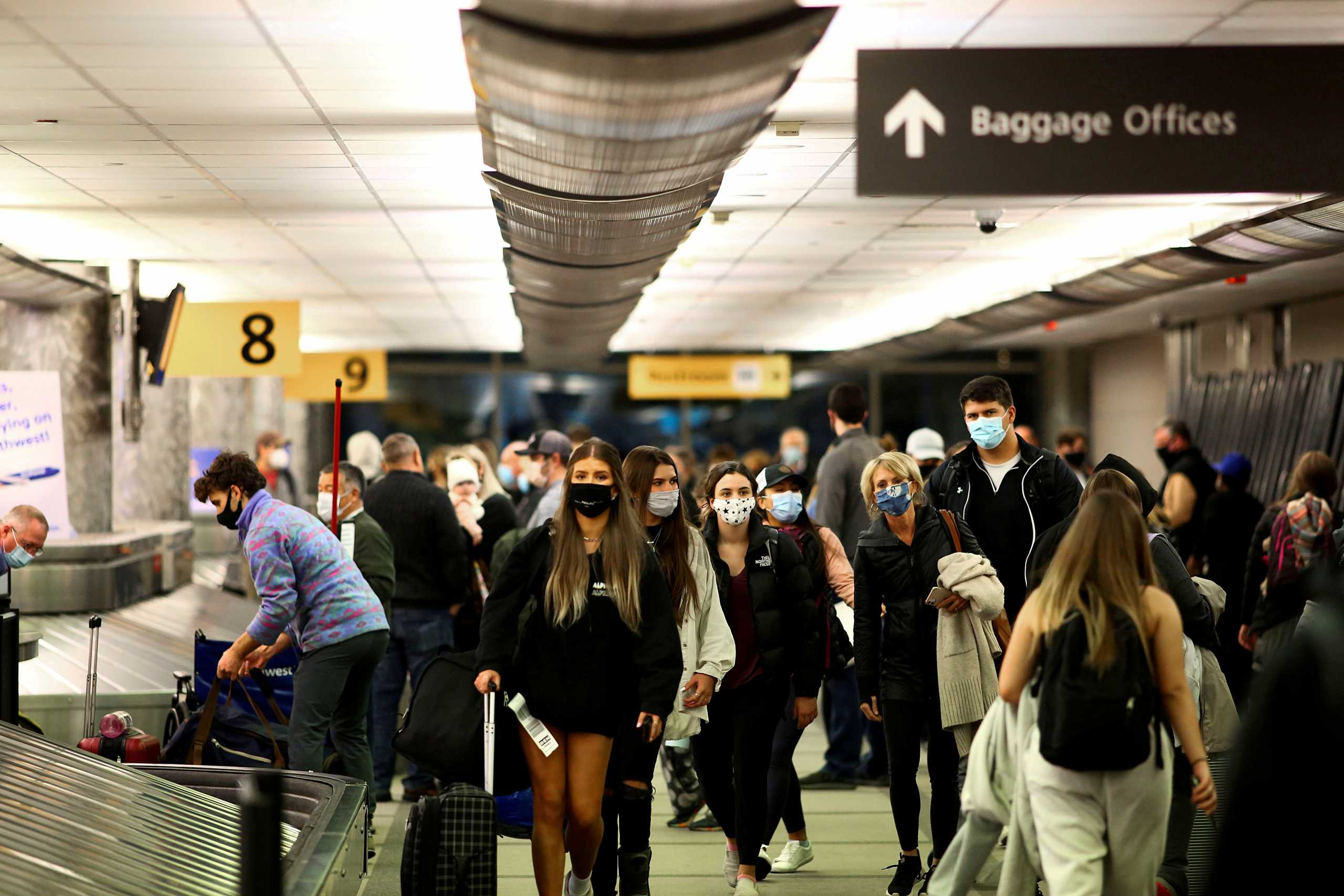 ΗΠΑ: Πιέσεις από τις αεροπορικές εταιρίες για χαλάρωση των ταξιδιωτικών περιορισμών