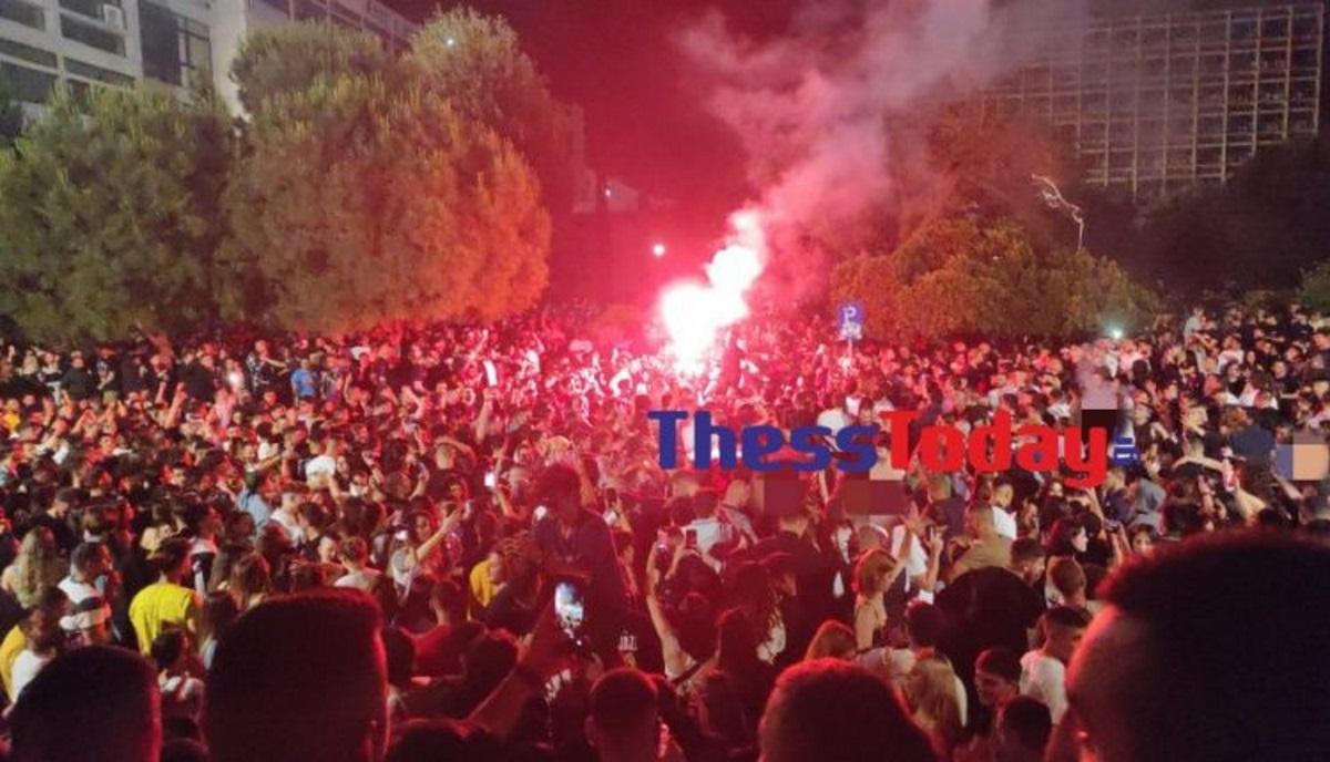 Θεσσαλονίκη: Νέο κορονοπάρτι στο ΑΠΘ – Πάνω από 3.000 άτομα, ηχοσυστήματα και… πυρσοί (pics, vids)