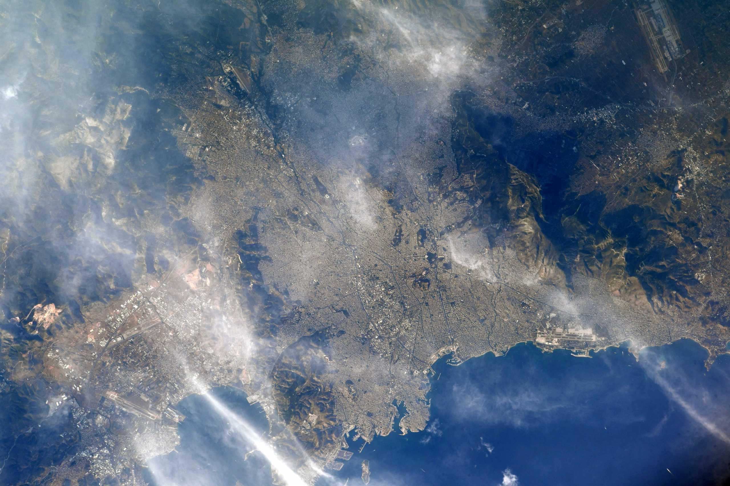 Η Αθήνα από τον Διεθνή Διαστημικό Σταθμό! Η εντυπωσιακή εικόνα Αμερικανού αστροναύτη