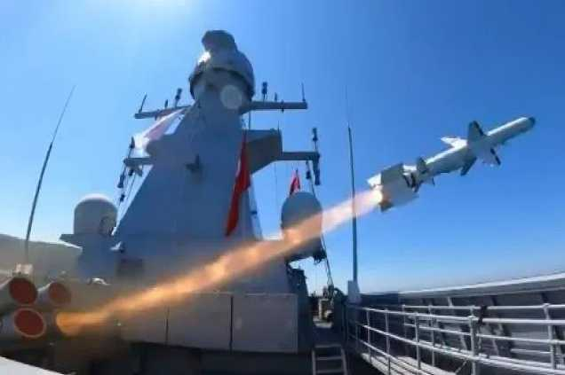 Atmaca: Ο Ερντογάν «πανηγυρίζει» το νέο αντιπλοϊκό πύραυλο της Τουρκίας [vid]
