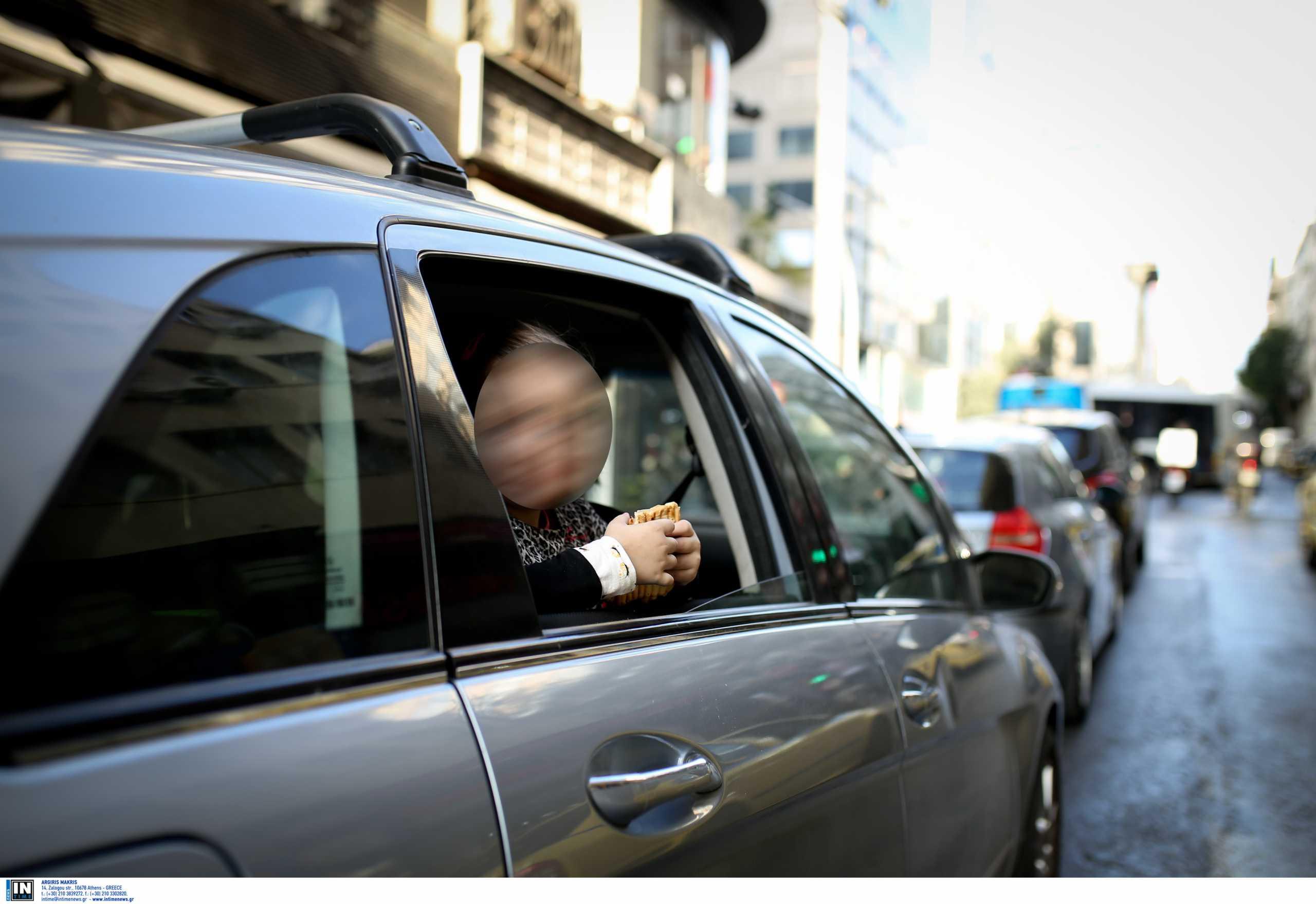 Κινδυνεύουν τα παιδιά στο αυτοκίνητο το καλοκαίρι – Πόσο υπερθερμαίνεται το σώμα τους