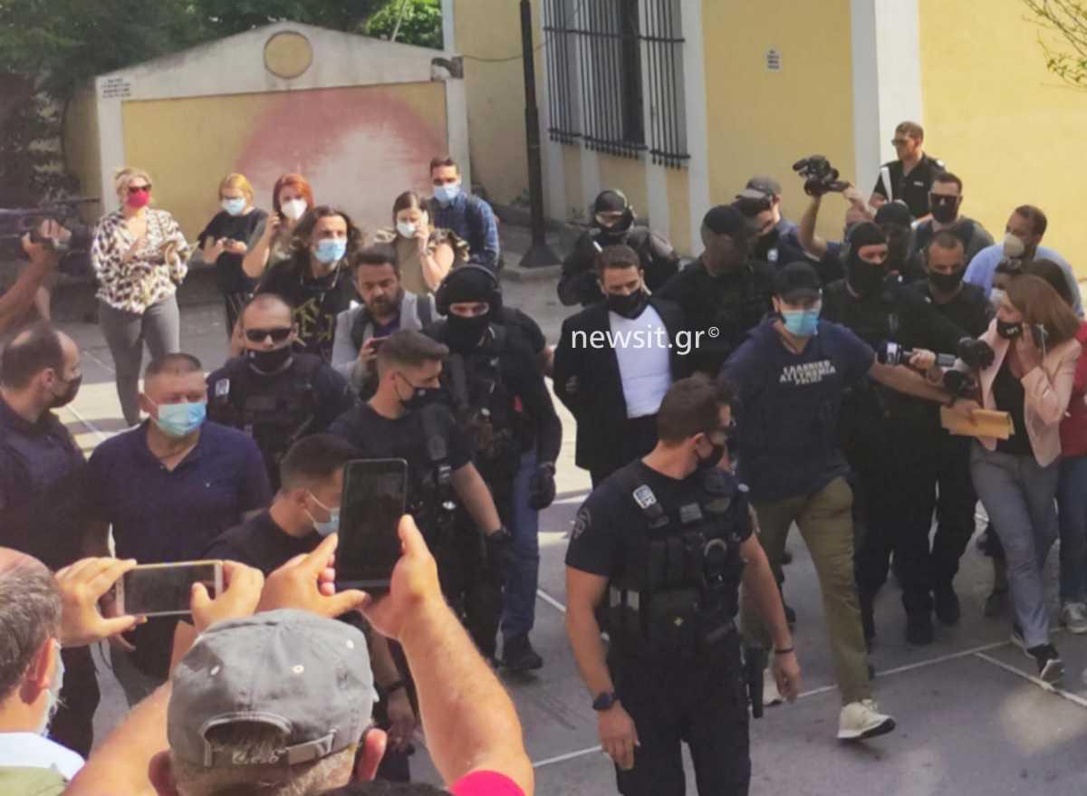 Μπάμπης Αναγνωστόπουλος: Μόνος στο κελί ο πιλότος με ψυχολόγους σε 24ωρη βάρδια – Οι «ύποπτες πιέσεις» στους αστυνομικούς
