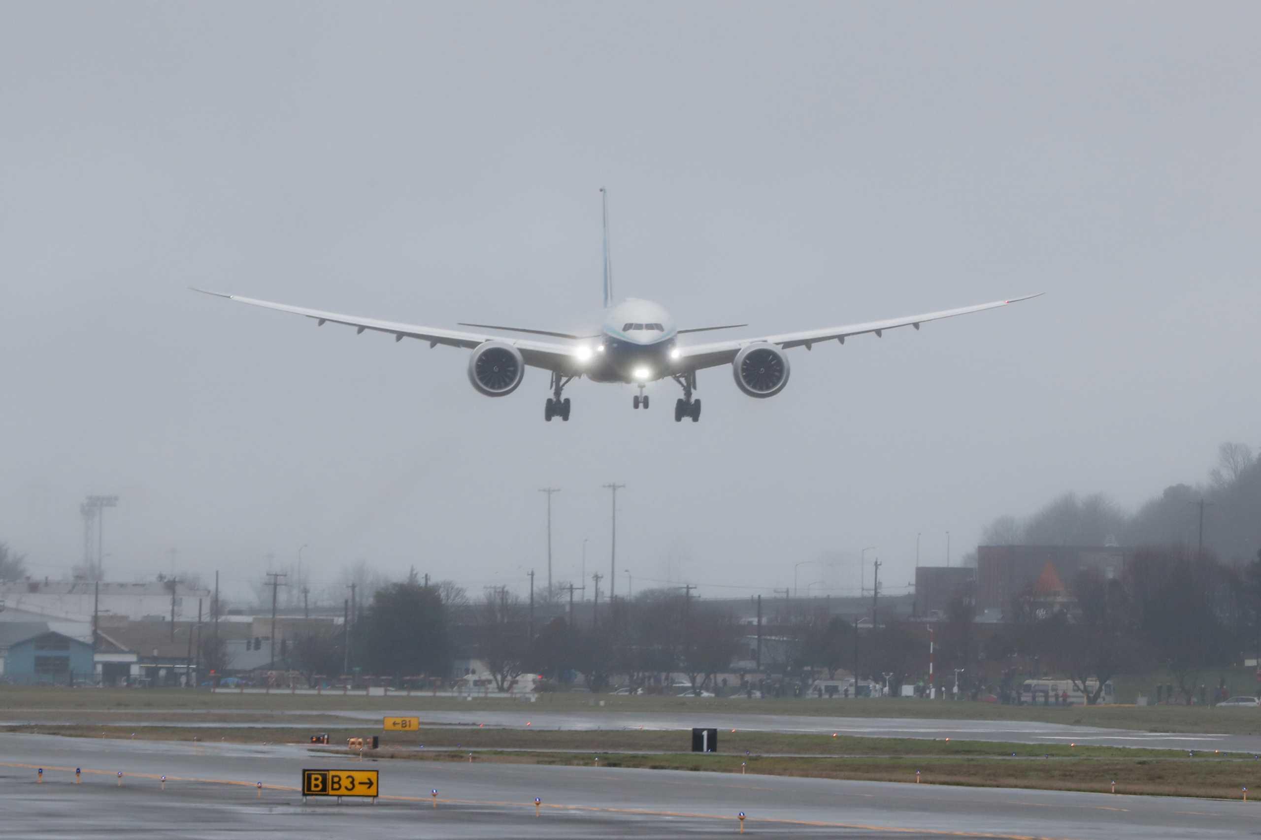 Σιβηρία: Αναγκαστική προσγείωση Μπόινγκ 767 από την Αττάλεια