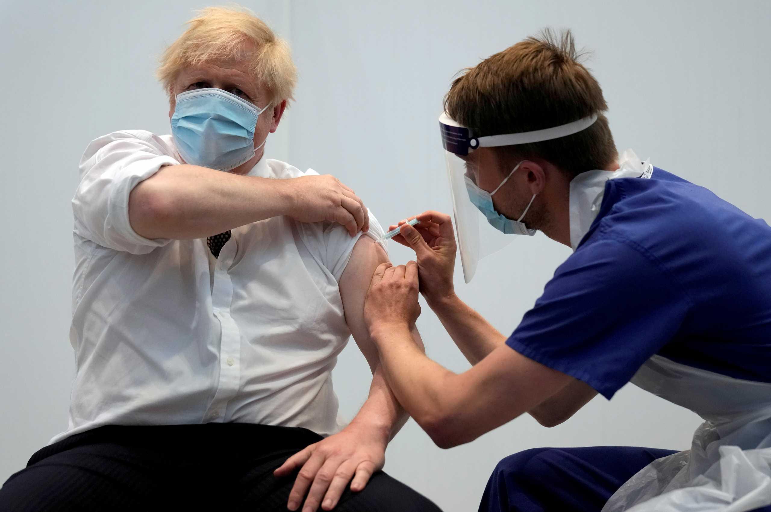 Μπόρις Τζόνσον σε G7: Να εμβολιάσουμε τον παγκόσμιο πληθυσμό μέχρι το τέλος του 2022 για να λήξει ο εφιάλτης