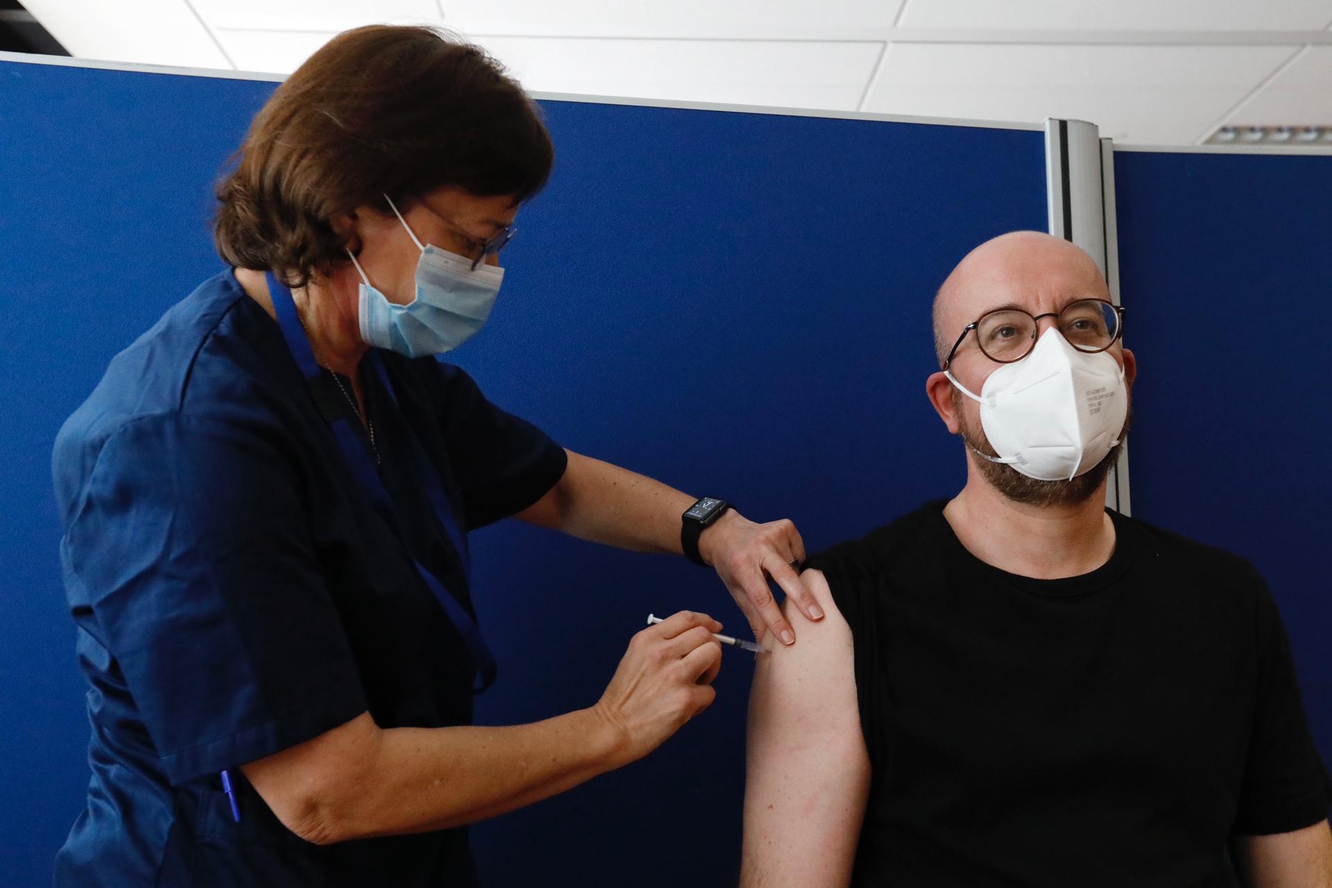 Εμβολιάστηκε ο Σαρλ Μισέλ