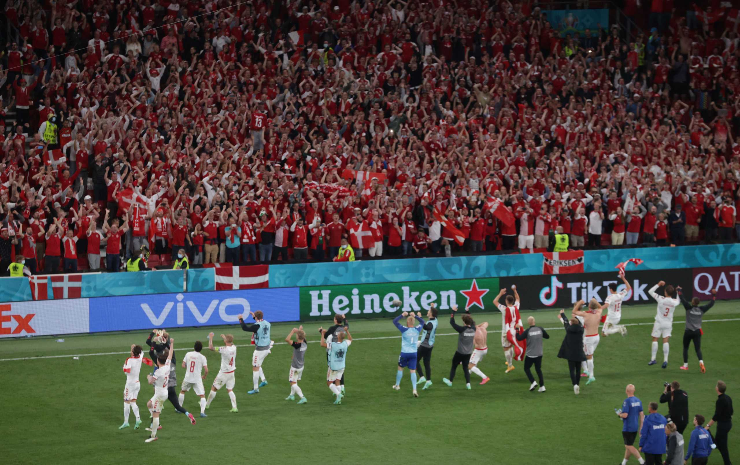 Euro 2020: Ταξίδι-αστραπή Δανών φιλάθλων στην Ολλανδία για να γλιτώσουν την καραντίνα