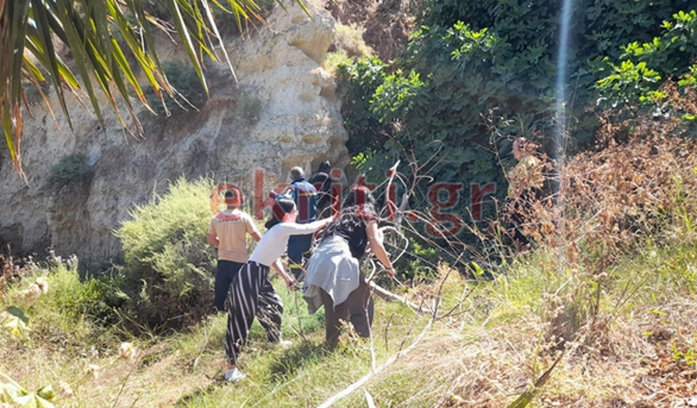 Ηράκλειο: Στην κάμερα η δραματική επιχείρηση διάσωσης άντρα που έπεσε σε γκρεμό