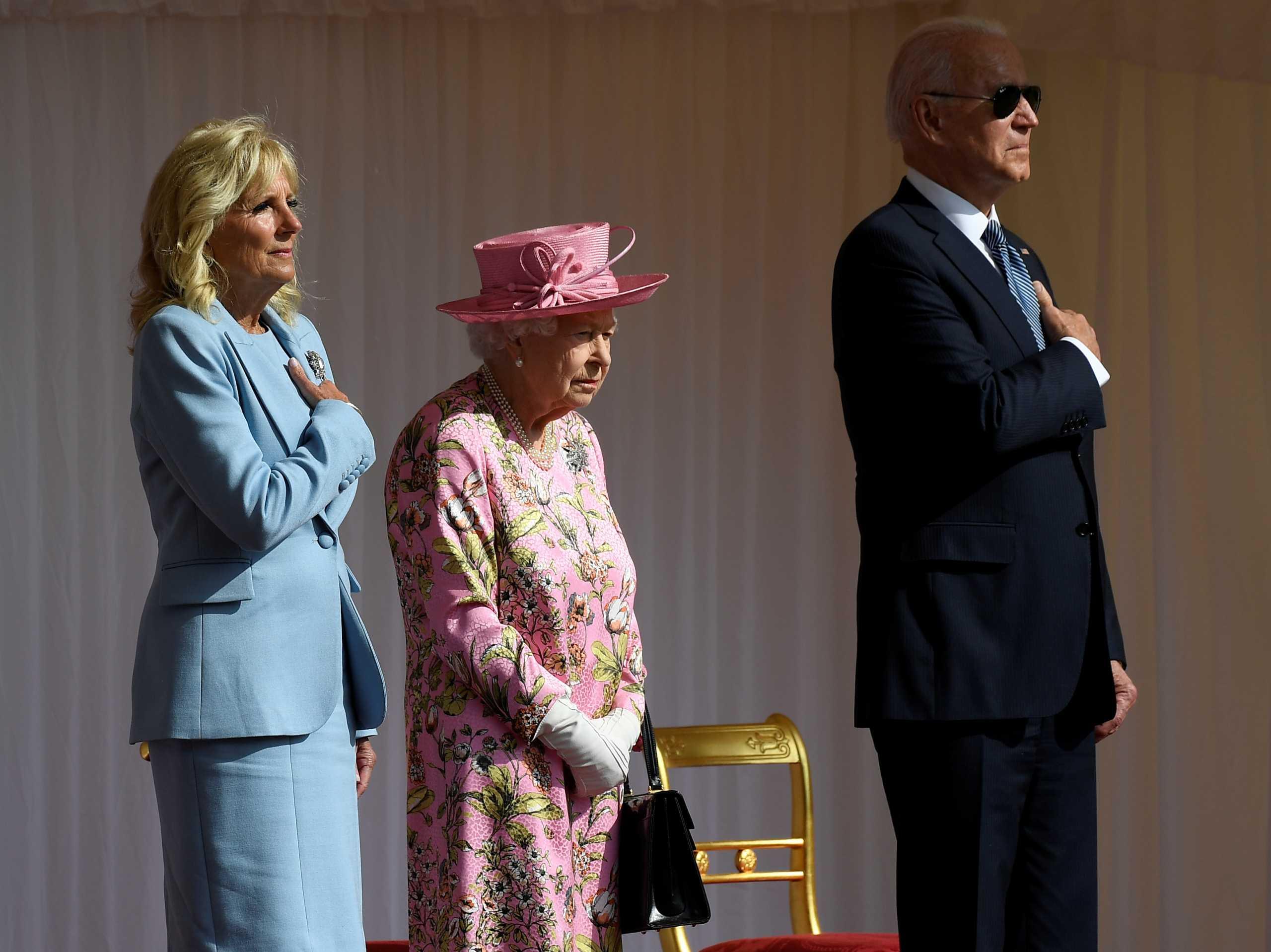 Ο Μπάιντεν έγινε ο 13ος πρόεδρος τον ΗΠΑ που συνάντησε την Ελισάβετ (pics)