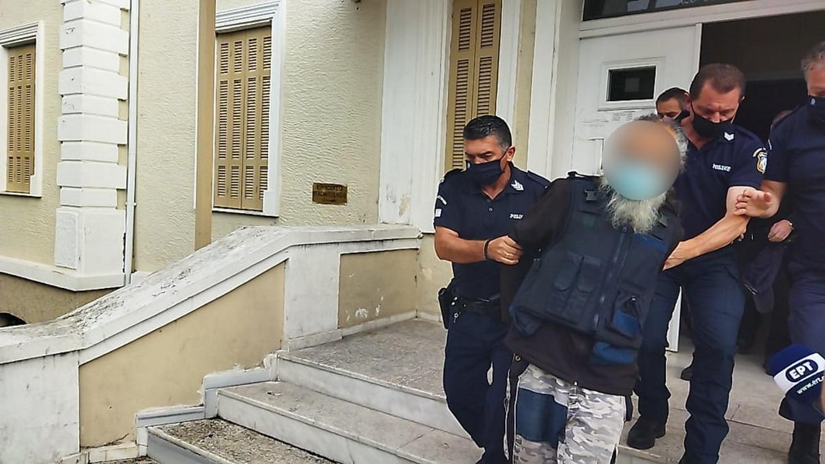 Ένοχος για την επίθεση με τσεκούρι στη ΔΟΥ – «Αν ήταν κλειστή η εφορία θα πήγαινα στα δικαστήρια»