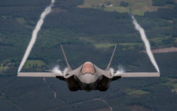 F-35: Συμφωνία «βόμβα» ετοιμάζει η Ελβετία για τα stealth μαχητικά αεροσκάφη