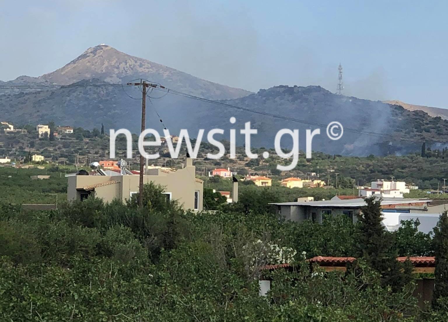 Φωτιά στην Αίγινα – Ανησυχία μην πλησιάσουν σπίτια οι φλόγες