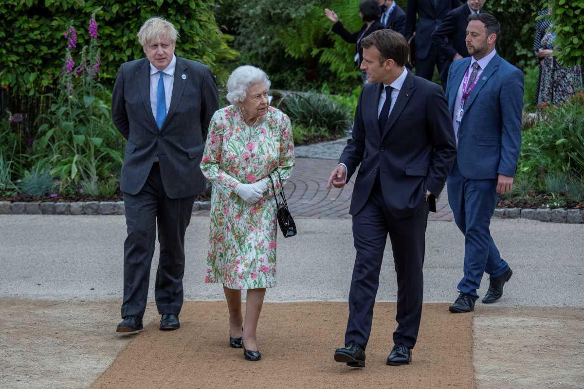 Η χαμογελαστή Βασίλισσα που «εξαφάνισε» τους G7 (pics)