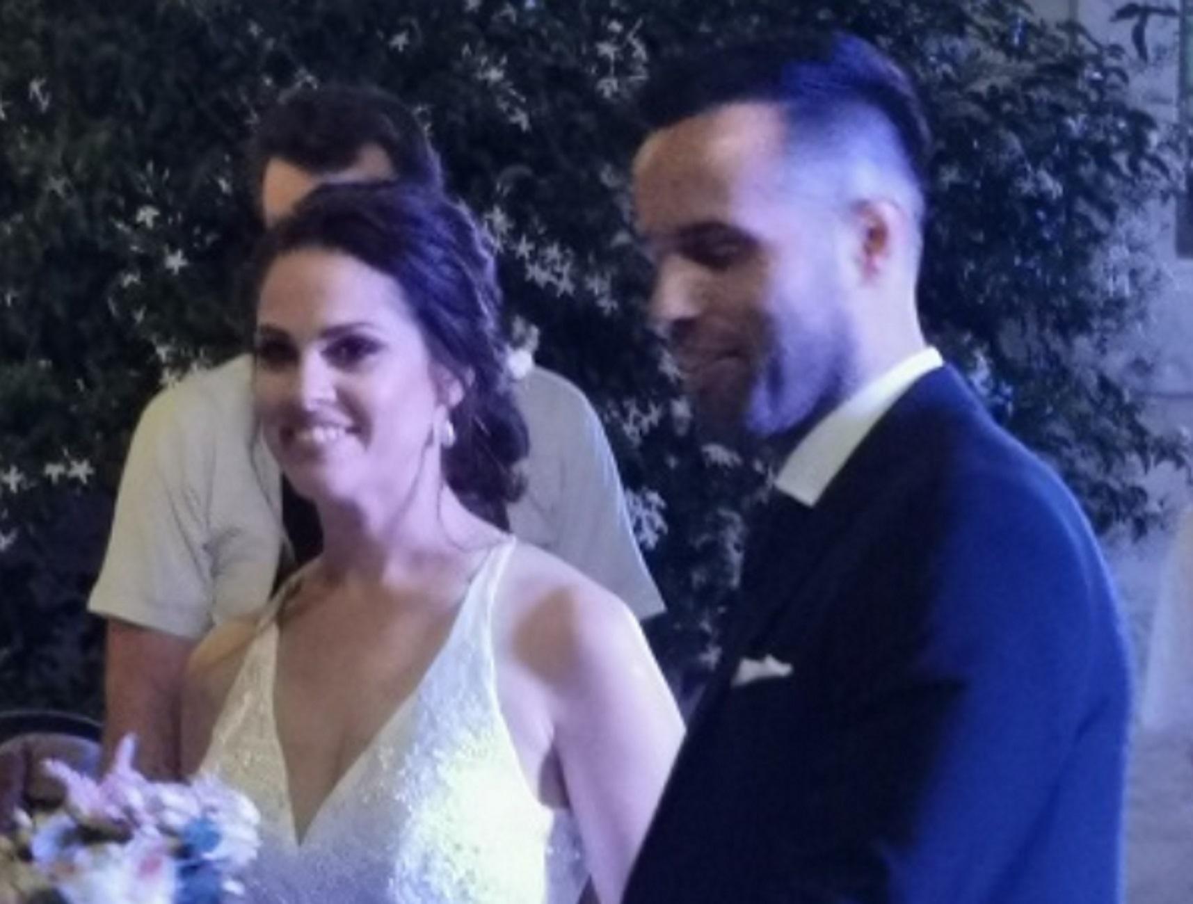 Σύρος: Γαμπρός και νύφη έζησαν το όνειρό τους – Παραμυθένιος γάμος με στιγμές συγκίνησης