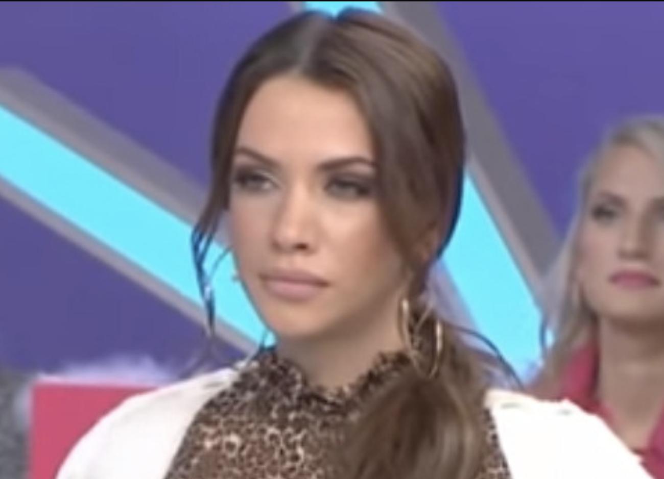 Η Έλλη Γελεβεσάκη απαντά για το χωρισμό από τον Γιώργο Μανίκα και τη σχέση τους σήμερα