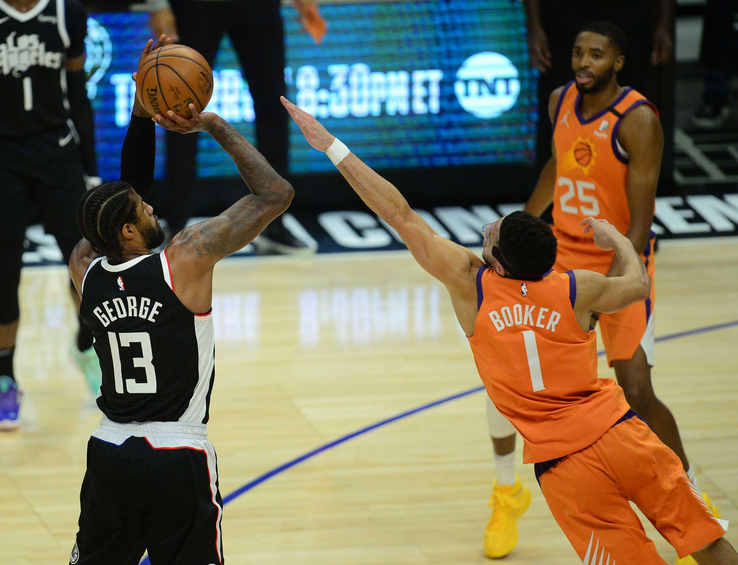 «Ζωντανοί» οι Κλίπερς στους τελικούς της Δύσης στο NBA