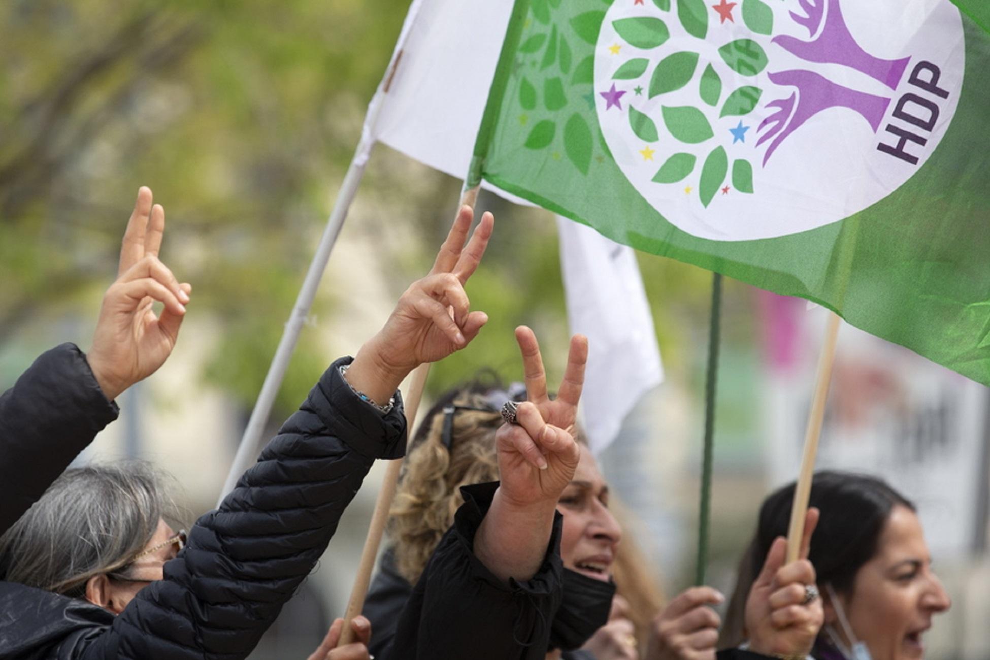 Τουρκία: Μια γυναίκα νεκρή μετά από επίθεση στα γραφεία του φιλοκουρδικού κόμματος