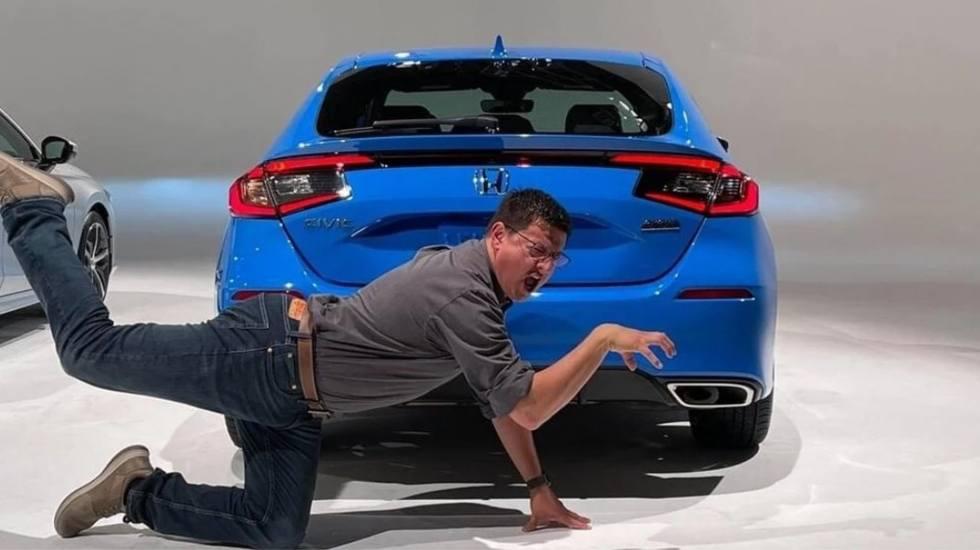 Το νέο Honda Civic αποκαλύπτεται μέσα από μια αλλόκοτη φωτογραφία! (pics)
