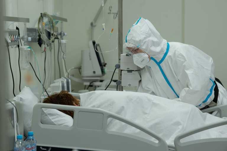 Σε κώμα ασθενής με σκλήρυνση κατά πλάκας που είχε εμβολιαστεί με το AstraZeneca