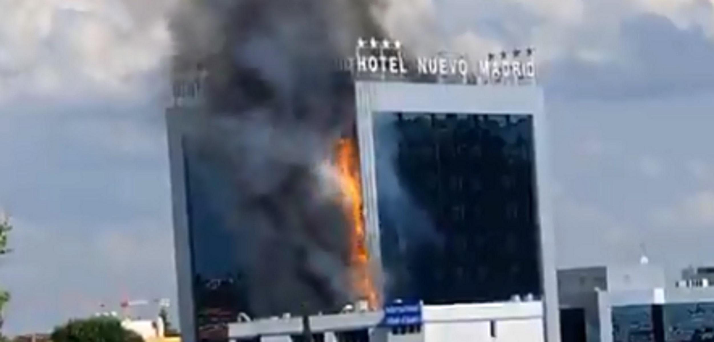 Μεγάλη φωτιά σε ξενοδοχείο στη Μαδρίτη