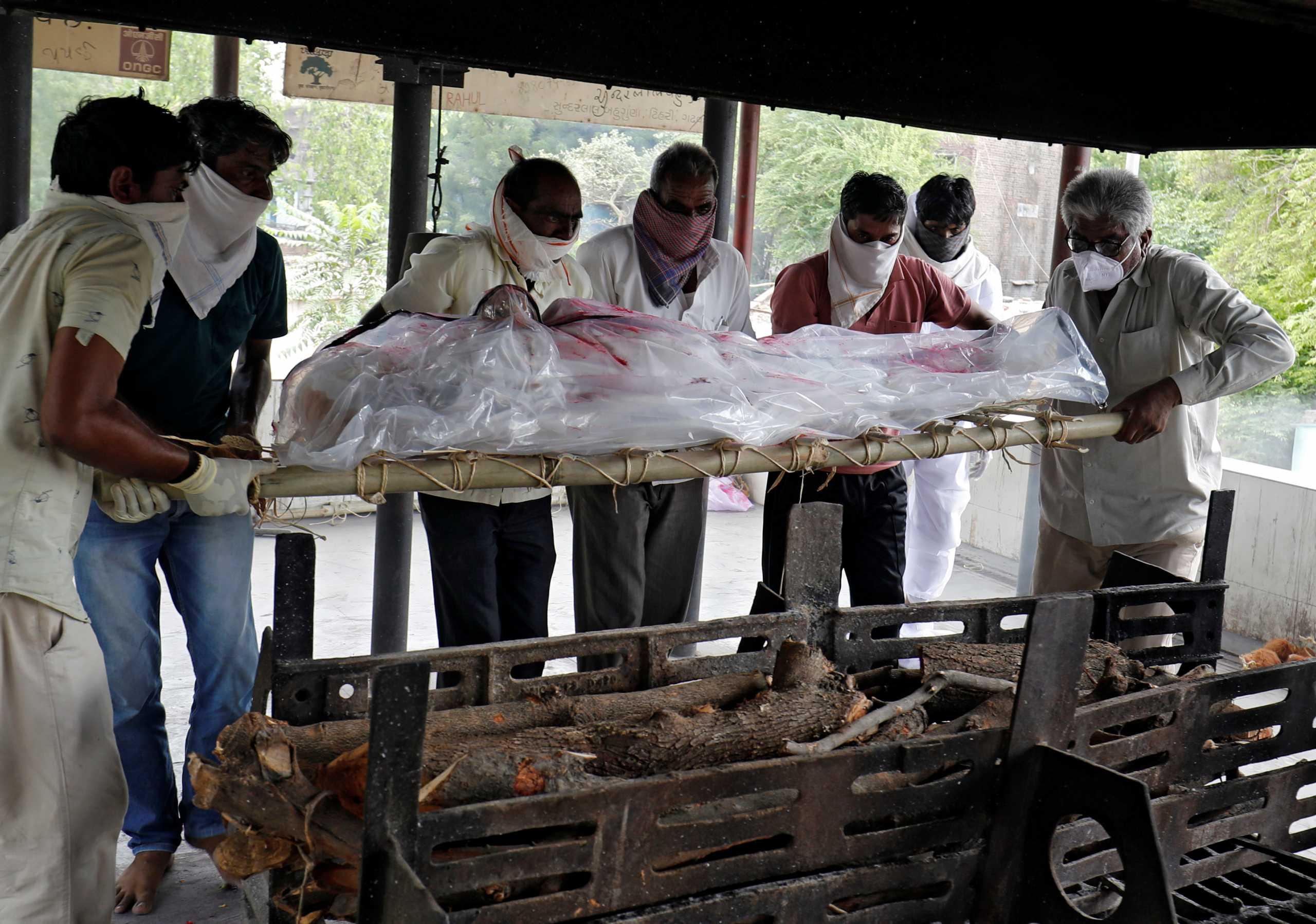 Ινδία: 1.258 θάνατοι και 50.040 κρούσματα το τελευταίο 24ωρο