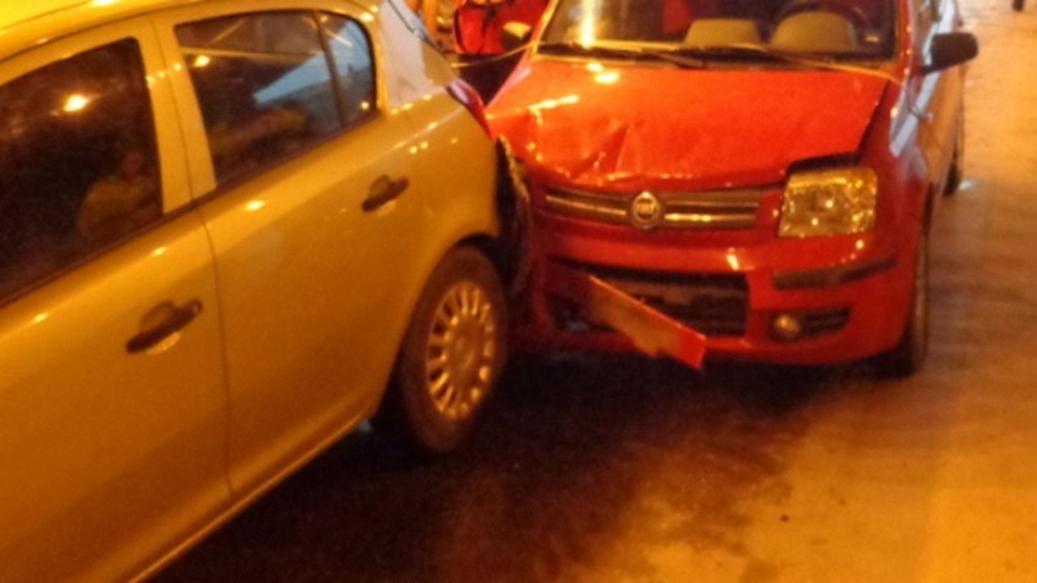 Έξοδος Αγίου Πνεύματος – Θεσσαλονίκη: Καραμπόλα πέντε αυτοκινήτων
