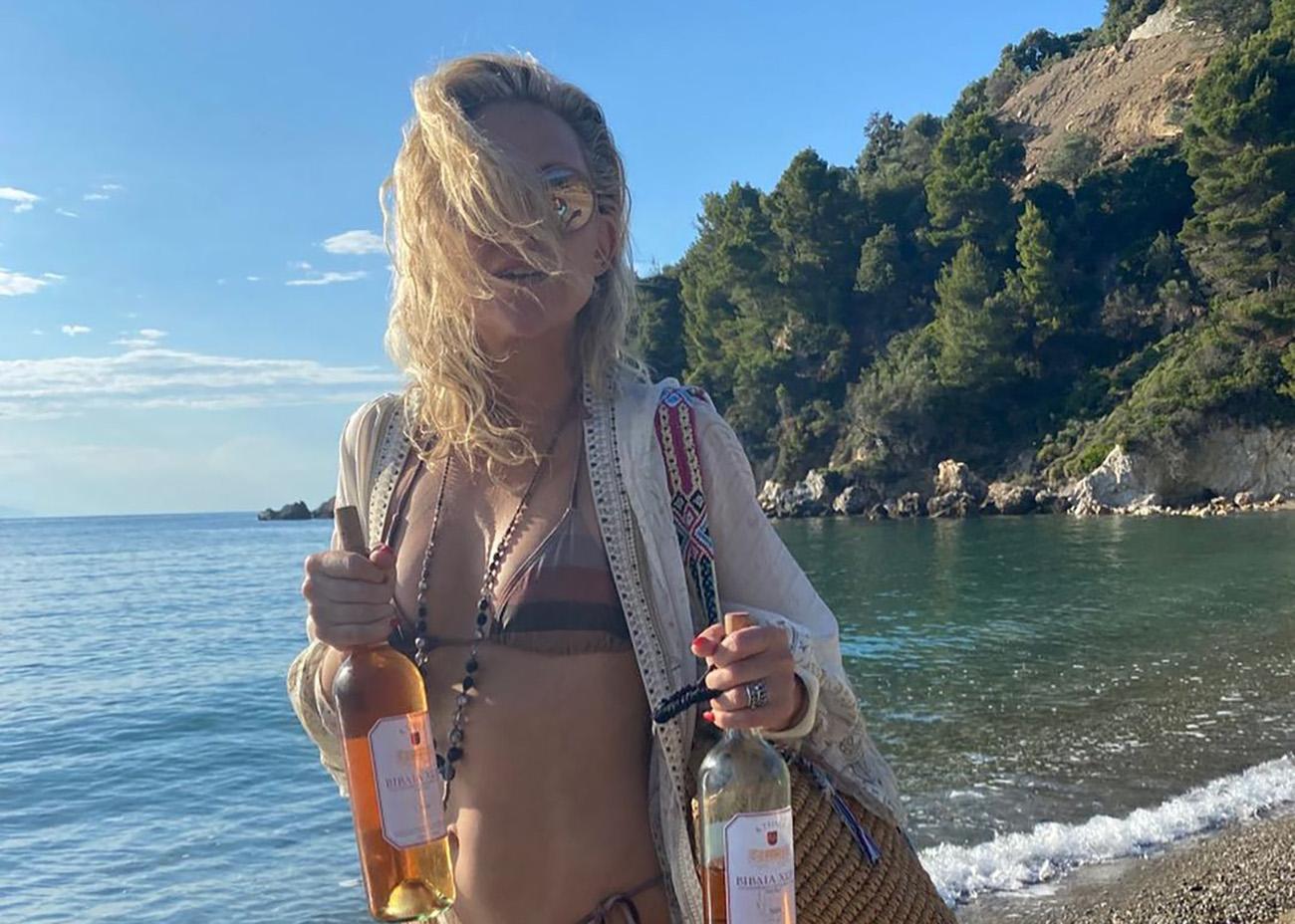 Kate Hudson: Καλοκαίρι για πάντα στη Σκιάθο – Οι αναρτήσεις στο Instagram