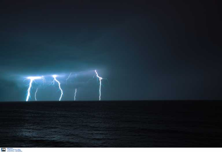 Έκτακτο δελτίο επικίνδυνων καιρικών φαινομένων - Ραγδαία επιδείνωση με καταιγίδες και κεραυνούς τις επόμενες ώρες