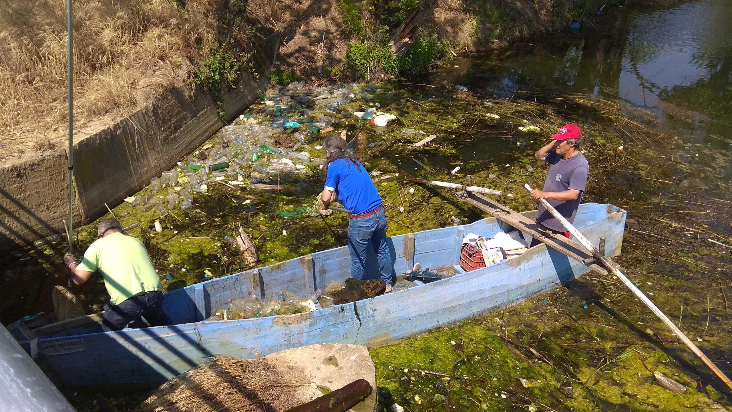 Κιλκίς: Μετέτρεψαν τη λίμνη Δοϊράνη σε σκουπιδότοπο – Δείτε τις εικόνες από τον καθαρισμό της περιοχής