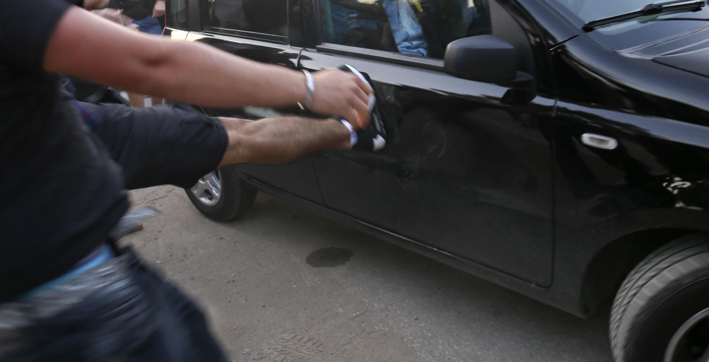 Κρήτη: Του έριξε κουτουλιά με το κράνος – Άγρια επίθεση στη μέση του δρόμου