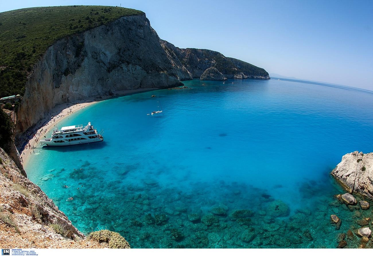 Λευκάδα: Τα 10 πράγματα που πρέπει να δεις όταν επισκεφτείς το νησί