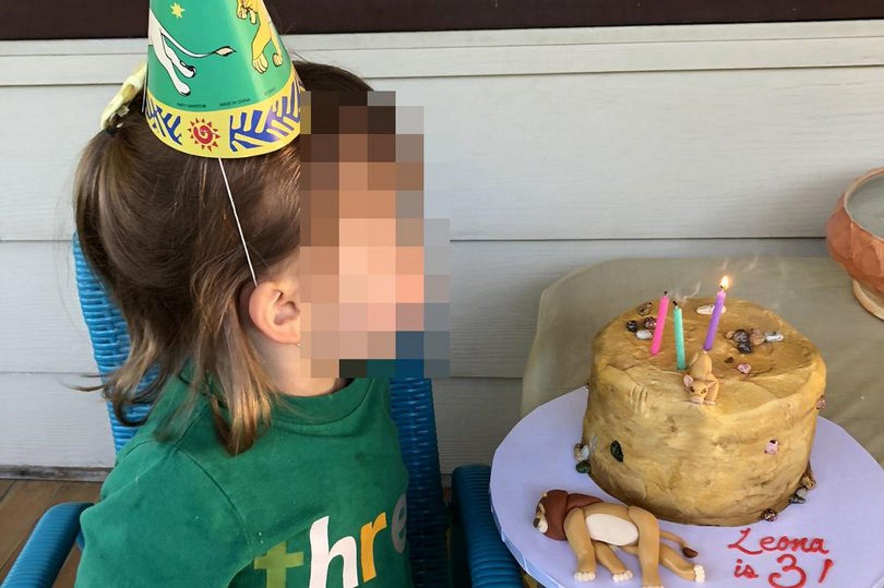 Η 3χρονη τους άφησε άφωνους: Δεν φαντάζεστε γιατί ζήτησε αυτή την τούρτα (pics)