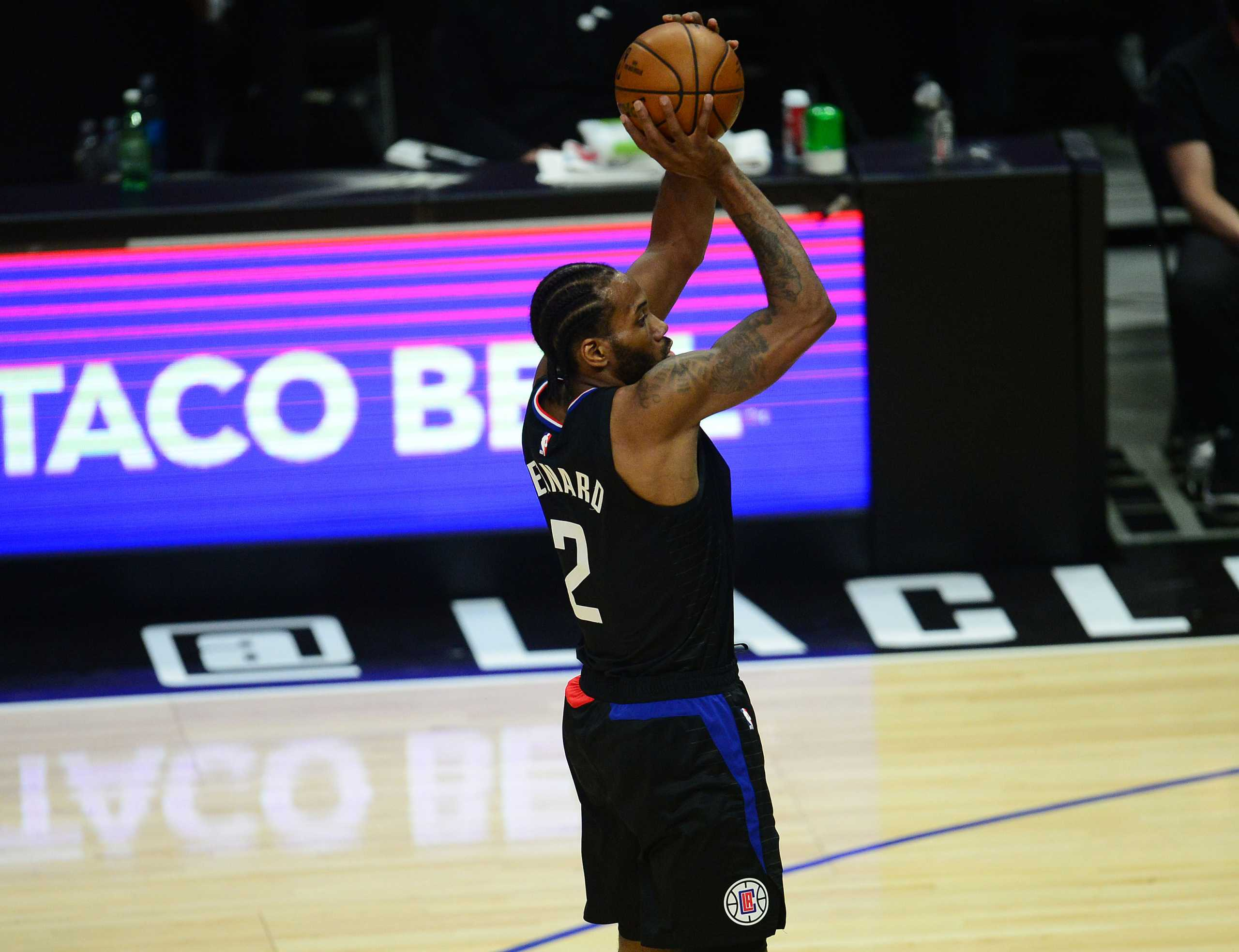 NBA: Εξαιρετικά αμφίβολος o Λέοναρντ και για το Game 5 των Κλίπερς με τους Σανς