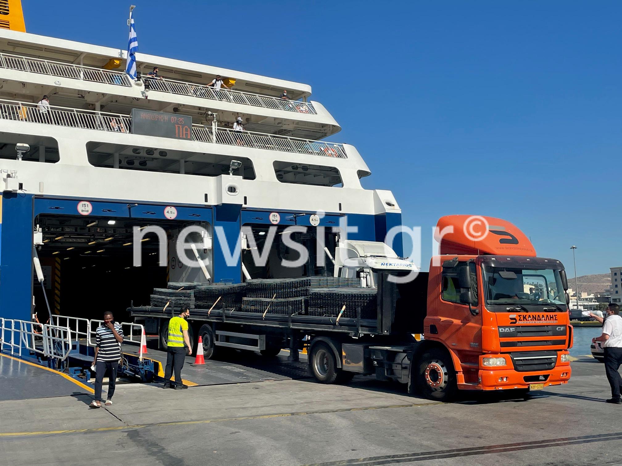 Ανεστάλη η απεργία στα πλοία – Έκανε πίσω η ΠΕΝΕΝ (pics, video)