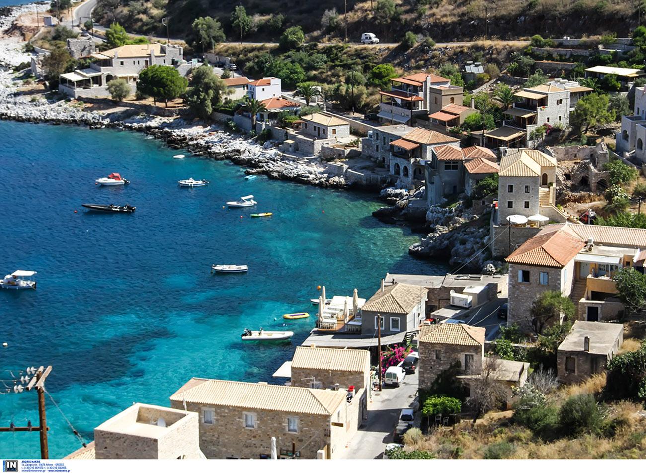 Διακοπές στη Μάνη: Το πετρόχτιστο Λιμένι υπόσχεται ένα μαγικό ταξίδι στο χρόνο