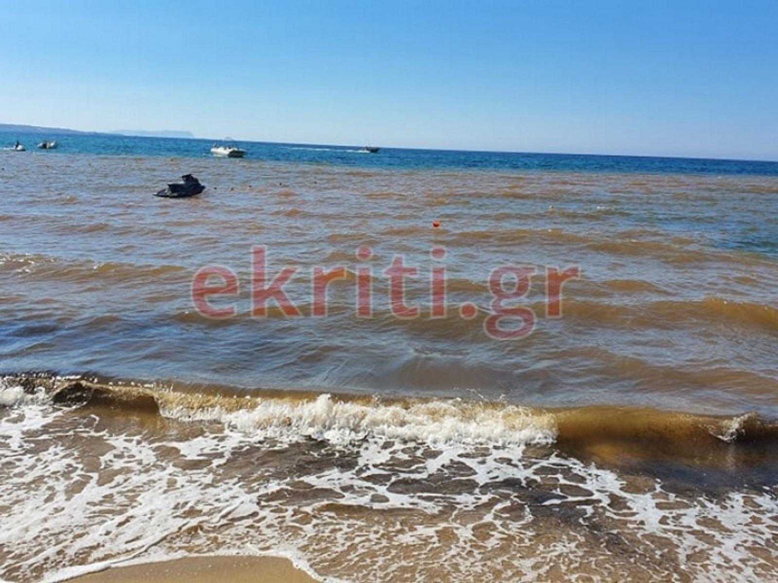 Ηράκλειο: Λύματα από ξενοδοχείο μετέτρεψαν τη θάλασσα σε βούρκο
